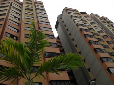 venta cómodo apartamento en conj resd balcones del norte sect la granja COD  880 hilsa4porciento