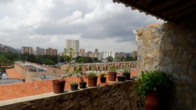 En venta Moderno TownHouse en El Rincon, Naguanagua