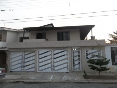 Bella y amplia casa en urb Las Quintas 2 de Naguanagua
