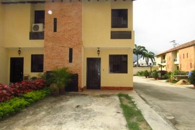 Townhouse en Venta en Limón Country, Guayabal, 83m2
