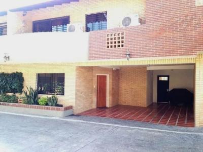 Town House Mañongo