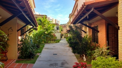Town House en Venta en El Samán Naguanagua