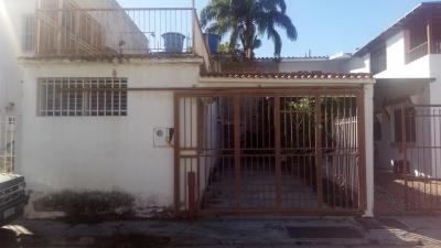 Casa en la Urbanización Chaguaramal (Naguanagua)  LEC-051