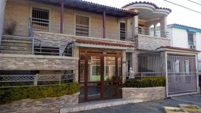 Casa en Urb. El Cafetal- Naguanagua LEC-057