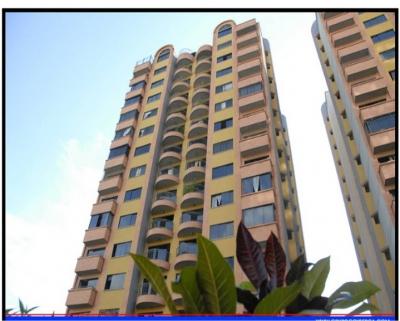 RE/MAX Ofrece en venta Apartamente en Urb. La Granja