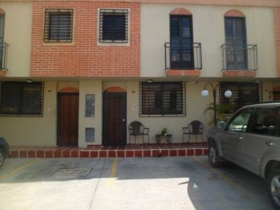 Hermoso Town House Ubicado en Villa Florencia