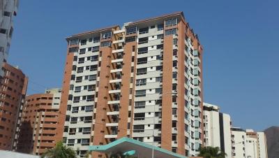 Se vende apartamento en frente al sambil amoblado y con planta electrica, lavadora