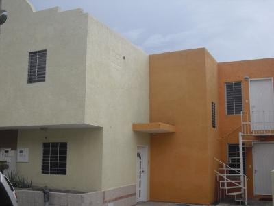 En Venta Amplio Town House