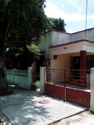 CASA EN NAGUANAGUA 1 CUADRA AV. UNIVERSIDAD