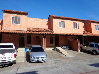 Magnifico Townhouse ubicado en Mañongo