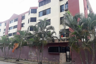 Se Vende Apartamento Urb. La Campiña en Naguanagua - RAP59