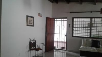 Hermosa casa en Urb. El Naranjal Naguanagua.