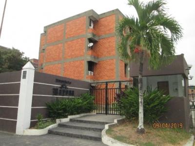 Apartamento en Venta Res Bayona, Los Guayabitos