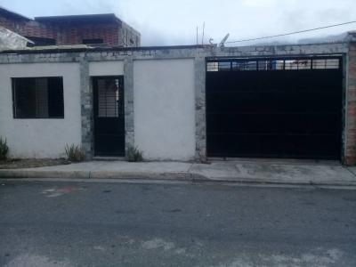 Oportunidad Casa en Naguanagua Conjunto cerrado
