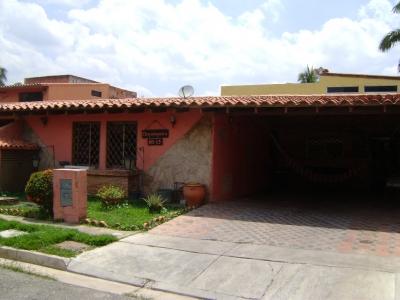 Hermoso y espacioso Townhouse ubicado en Residencias Palma de Oro, en la zona de fácil acceso de Naguanagua, en el sector Guayabal.