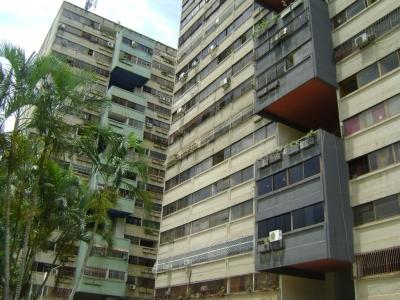 Amplio y cómodo Apartamento ubicado en Residencias Teresa, en la céntrica zona de Naguanagua, urbanización Mañongo