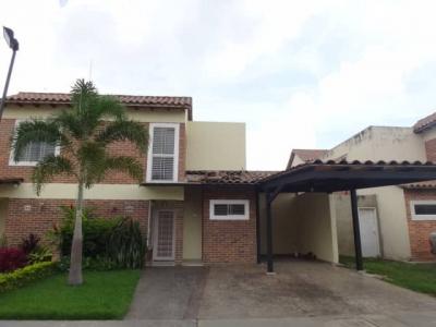 EXCLUSIVO TOWN HOUSE  NAGUANAGUA EL RINCON VALENCIA