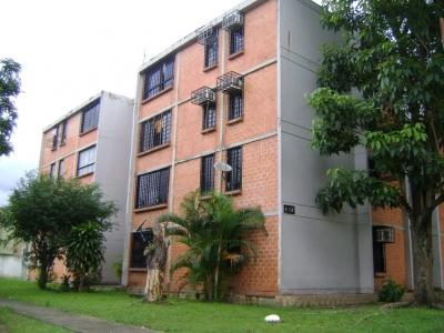 Acogedor Apartamento ubicado en Res. Victoria Plaza, La Campiña, Naguanagua, Estado Carabobo