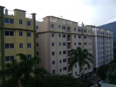 Se Alquila espacioso Apartamento en Res. Arauca, Av. Universidad, Naguanagua, Estado Carabobo