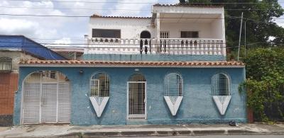 vendo casa en Urb. tarapio.