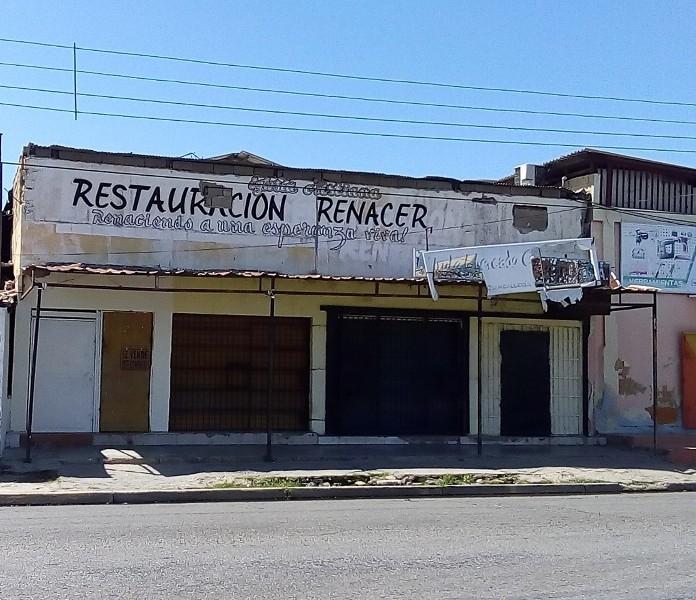 - Locales Comerciales