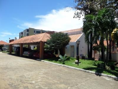 OFERTA DE LA SEMANA! VENDO BELLO TOWN HOUSE, URBANIZACIÓN VILLA GRANADA PUERTO ORDAZ