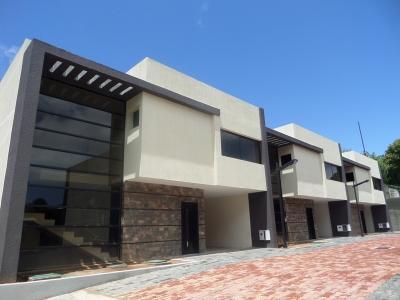 Vendo Bello Town House Duplex Conjunto Residencial Sintra - Campo B En Puerto Ordaz