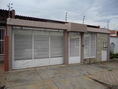 VENTA DE BELLO TOWN HOUSE EN LA OLIVEÑA PUERTO ORDAZ