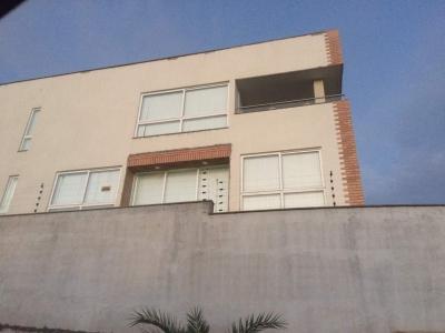 Casa en Arivana