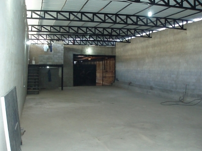 Excelente Galpón de 561.60 m2 En Caño Amarillo