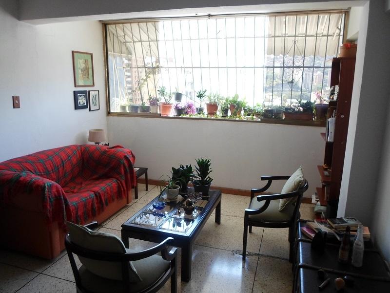Venta De Céntrico Apartamento En Parroquia Santa Teresa Caracas
