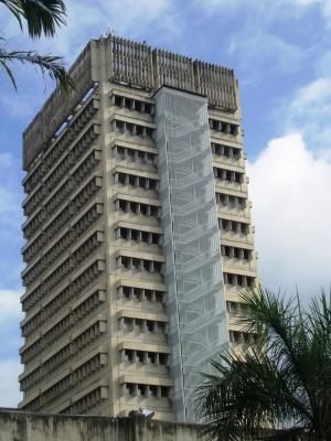Oficina Torre de Oficinas del CC Uslar
