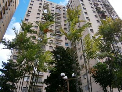 Exelente apartamento Valle Abajo, 3 Habitaciones, facil acceso, cercano al metro, Negociable