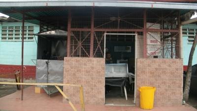 Vendo amplio Local en Coche