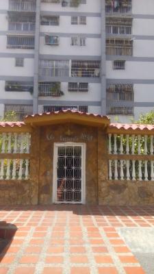 APARTAMENTO EN CARICUAO