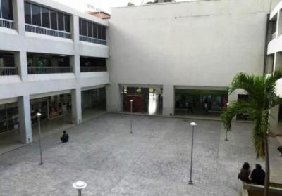 Alquilo Espaciosa Oficina en el C.C. Los Chaguaramos