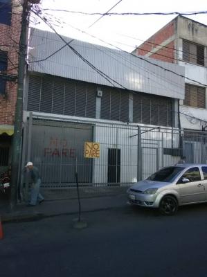 Se vende amplio Galpón de 500 Mts2 doble altura en Catia Caracas