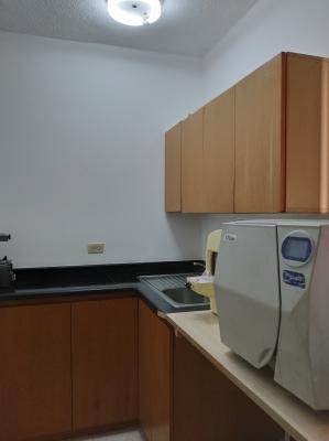 Alquilo Cubículo de 10 m2 para Consultorio Médico - Torre Alto Centro Sabana Grande