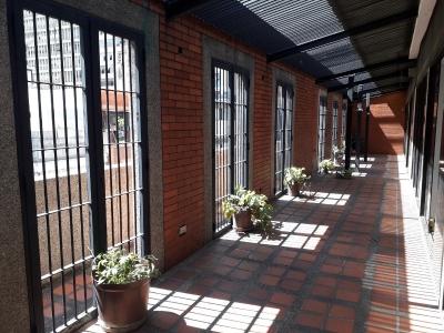 Alquilo oficina en La Hoyada