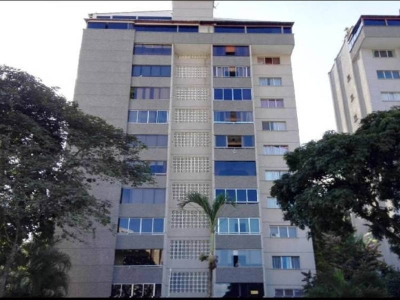 Apartamento 3h + H de servicio y 3B 1p en Macaracuy Zona Tranquila