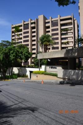 GRAN OPORTUNIDAD APARTAMENTO EN VENTA EN RESIDENCIA 3era AV EN LOS PALOS GRANDES