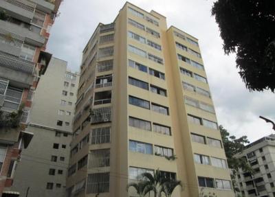 APARTAMENTO EN URB. LOS PALOS GRANDES