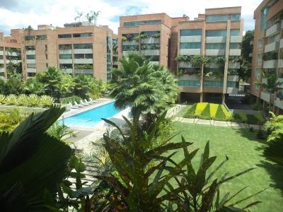 Apto. Urb. Campo Alegre 243 m2