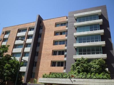Apto. Urb. Campo Alegre 130 m2
