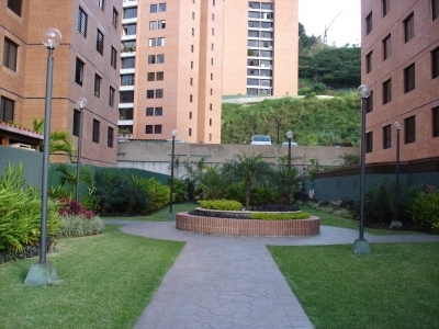 --- EN URBANIZACIÓN TRANQUILA Y SEGURA --- VENDO AMPLIO Y BELLO APARTAMENTO DE 156 m² EN COLINAS DE LA TAHONA °°°
