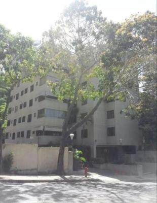 Elegante y cómodo apartamento en La Alameda, Caracas.