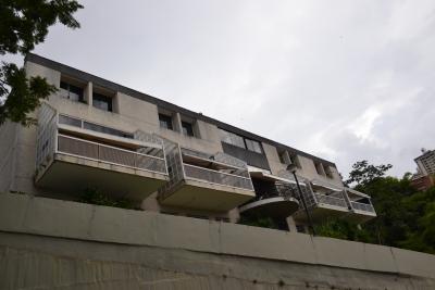 TOWN HOUSE EN VENTA EN URB. EL PEÑON