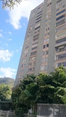 Apartamento en la Guairita!!!