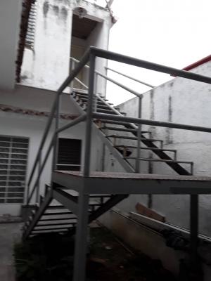 DEPÓSITO U OFICINA EN ALQUILER - COLINAS DE BELLO MONTE