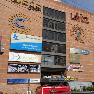 Local C. C. Oasis Guarenas